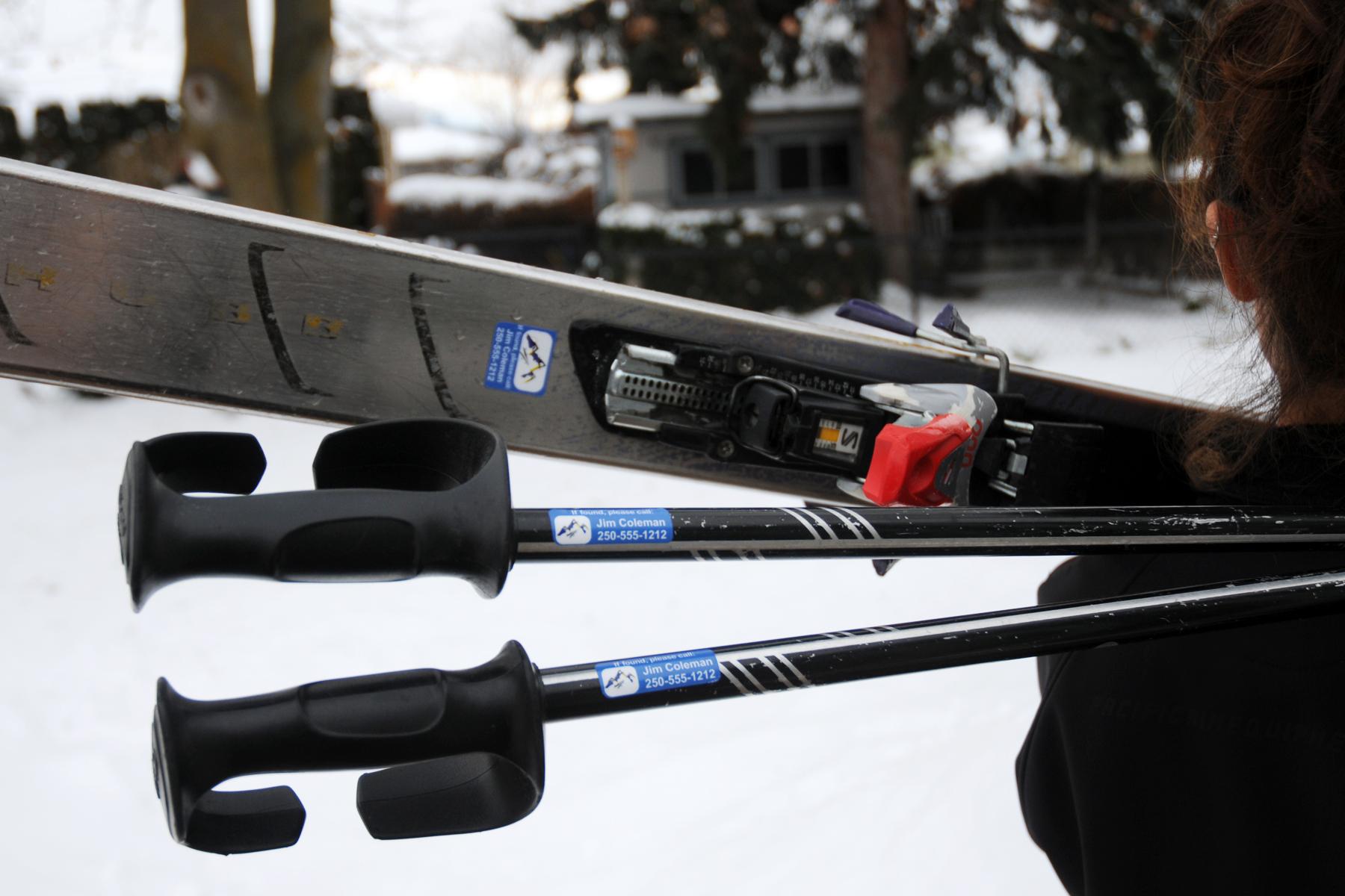 skis-poles.jpg
